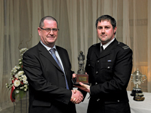 Neil Hodson receives best BA award from Draeger's regional sales manager David Pollard