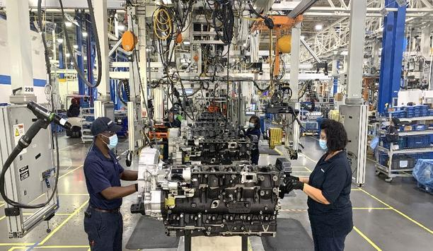 PACCAR Celebrates 10 Year Anniversary Of Engine Manufacturing In North America