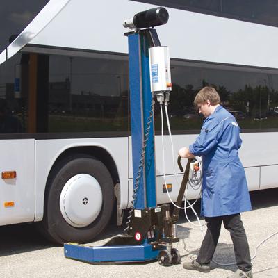 MAHA USA MCL-18 mobile column lift for trucks and buses