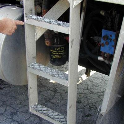 R-O-M DB1401 bustin frame ladder